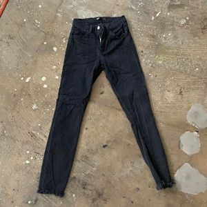 3x1 Frayed Ankle Jean